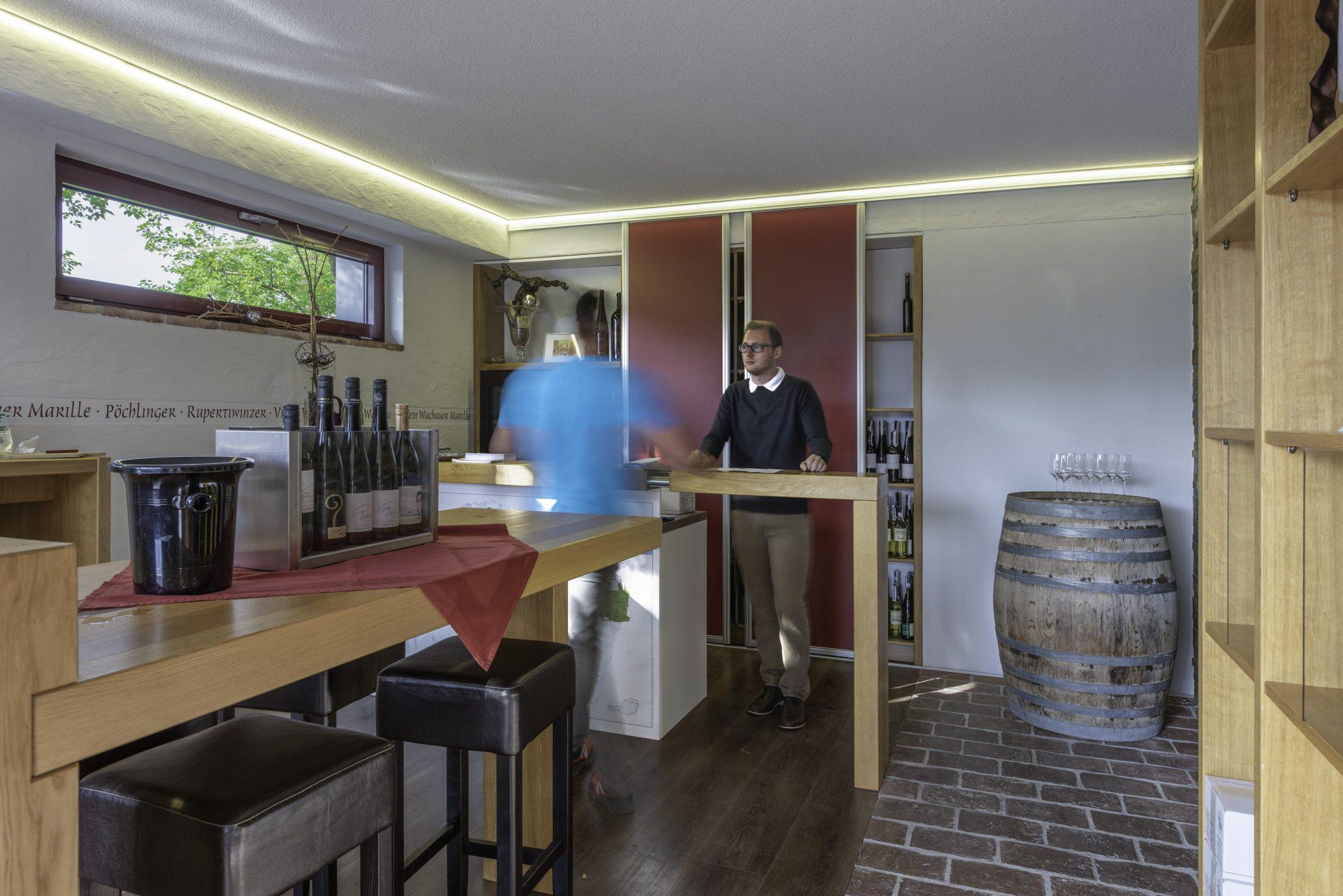 Vinothek und Verkostungsraum am Winzerhof Pöchlinger